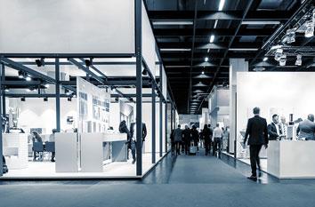 Fachmesse Messe Ausstellung Architekten Messebesucher